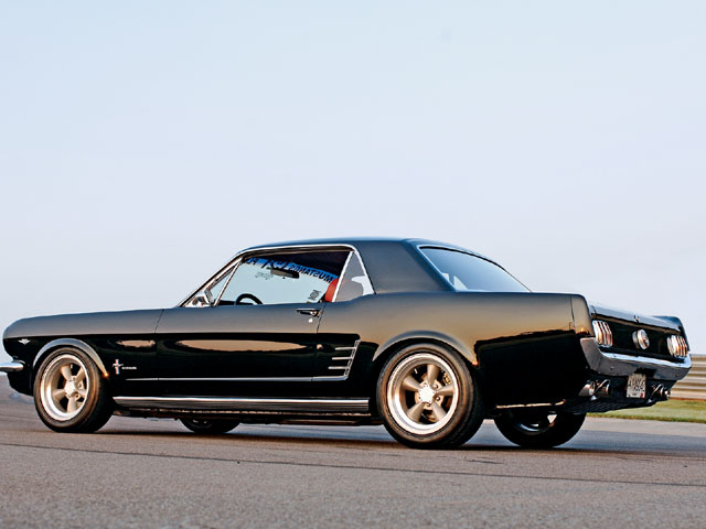 0703_mump_01_z+1966_ford_mustang+side_view